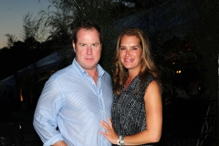 Chris Henchy, Brooke Shields==Animal Rescue Fund of the Hamptons Bow Wow Meow Ball==ARF, Wainscott, NY==August 15, 2015==©Patrick McMullan==Photo - Owen Hoffmann/PatrickMcMullan.com====