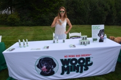 Woofmints gives out samples.
